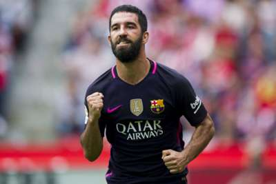 Istanbul Basaksehir close in on deal for Barcelona's Arda Turan