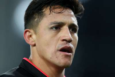 Mourinho confident Sanchez will sign for United