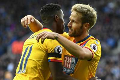 Roy Hodgson warns of putting Wilfried Zaha under too much pressure