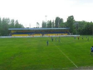 Stadion Mashynobudivnyk, Karlivka