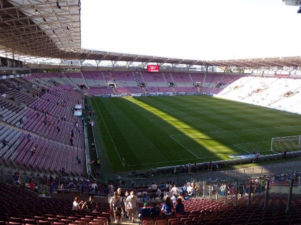 Stade de Genève, Carouge