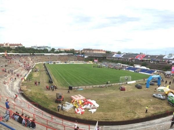 Stadion Za Lužánkami, Brno