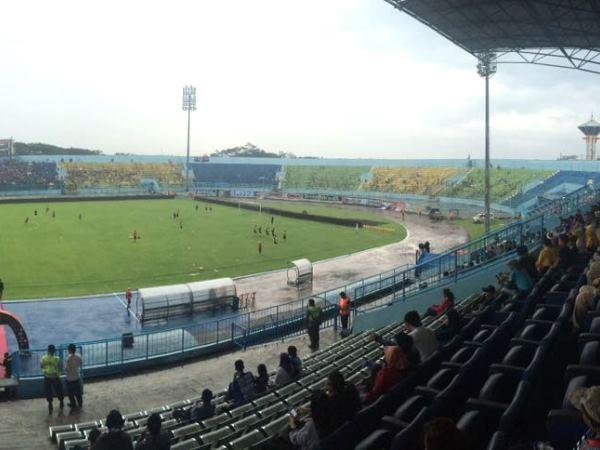 Stadion Kanjuruhan, Kepanjen