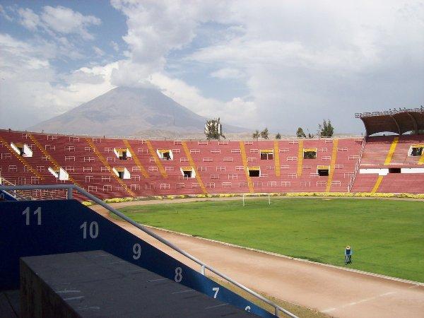 Estadio de la Universidad Nacional San Agustín, Arequipa