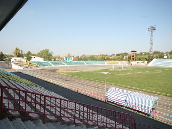 Ahmatbek Suyumbayev atyndagy Stadion, Osh