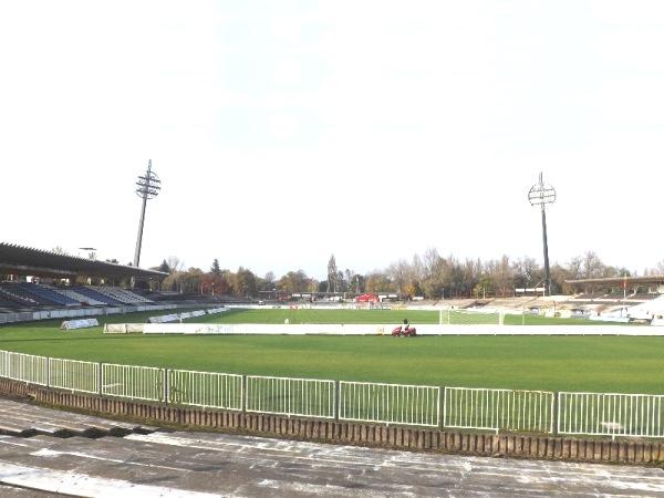 Všesportovní stadion, Hradec Králové
