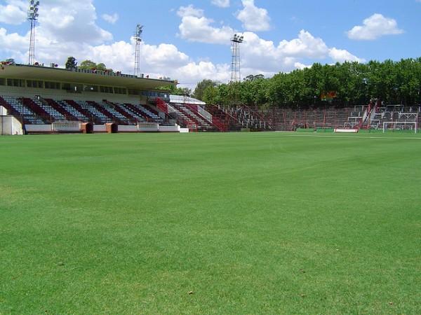 Estadio Jorge Luis Hirschi, La Plata, Provincia de Buenos Aires