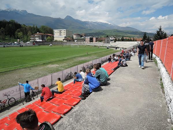 Stadiumi Shahin Haxhiislami, Pejë (Peć)